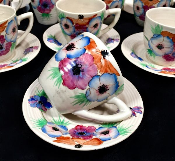 Art Deco Clarice Cliff Pottery Lynton Shape Coffee Tea Set For 6 / Cup & Saucer